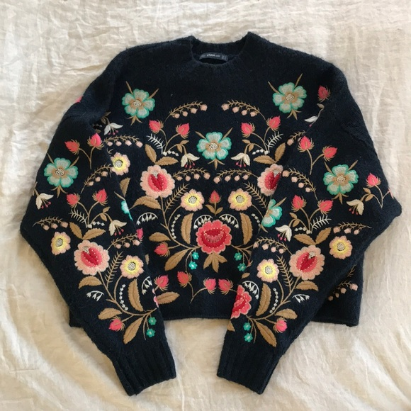 Zara floral embroidered sweater. M 5aca4e11b7f72bc2cf832911 539c30d5a08